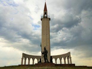 ХVІІІ ҒАСЫРДАҒЫ ҚАЗАҚ ҚОҒАМЫНЫҢ САЯСИ ЖАҒДАЙЫ ЖӘНЕ ЕР ЖӘНІБЕК БАТЫР